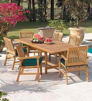 Afton Round Table And Four Chairs