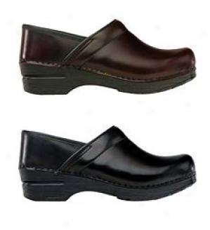 Cabrio Leather Closed Heel Clog