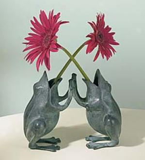 Pattycake Frogs Vase