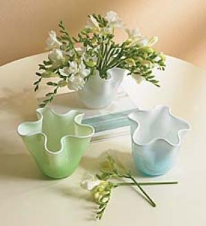 Swirl Vases, Arrange Of Three