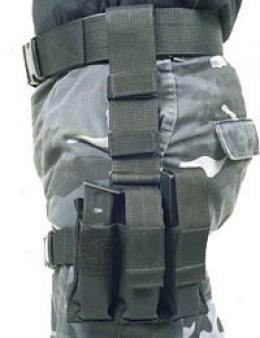 Blackhawk® Omega Triple Pistol Mag W/talonflex