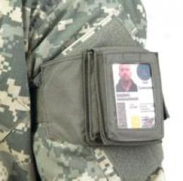 Capital Gains Snapendwrap™ Military Challenger™ Id Pouch