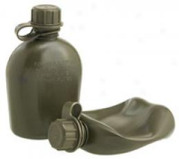 Gi 1 Quart Flexible Plastic Canteen